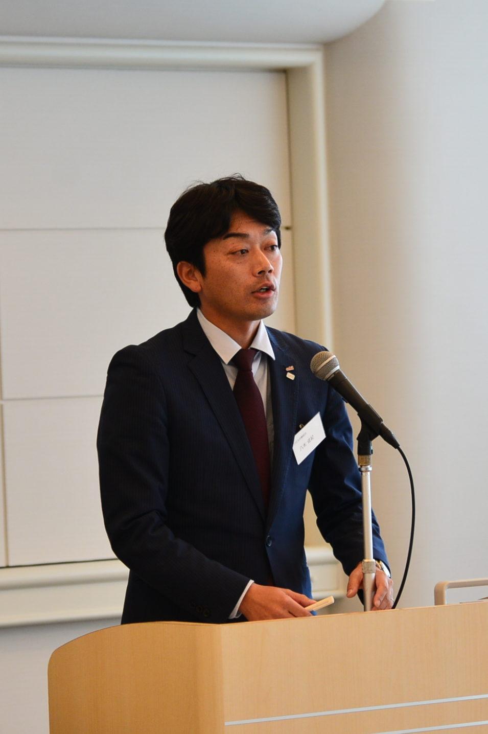 活動・会計報告:八木事務局長